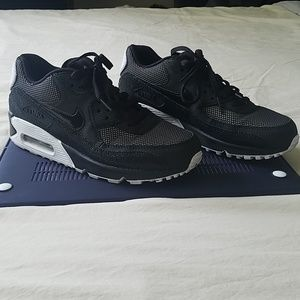Gently Used Nike Air Sneakers Size 7.5